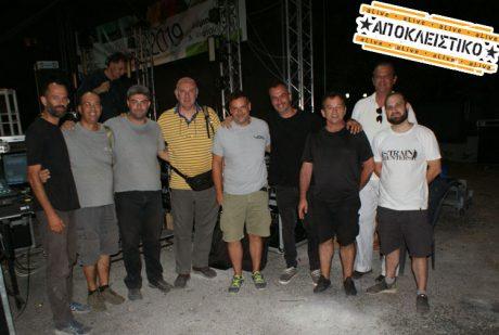 Ενας 'κιθαριστικός' Γιώργος Νταλάρας στο Μαρούσι