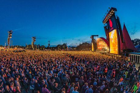 Roskilde Festival: και φέτος με full της Meyer (περισσότερες από 1.000 καμπίνες σε όλες τις σκηνές του φεστιβάλ)...