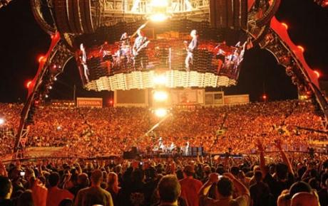 Αναβλήθηκε συναυλία των U2 λόγω κλοπής καλωδίων...