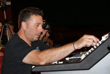 Ο Ελληνας ηχολήπτης Μανώλης Ολλανδέζος ήταν ο τυχερός νικητής ενός εκ των 58 επετειακών SM58 της Shure & του Montreux Jazz Festival…