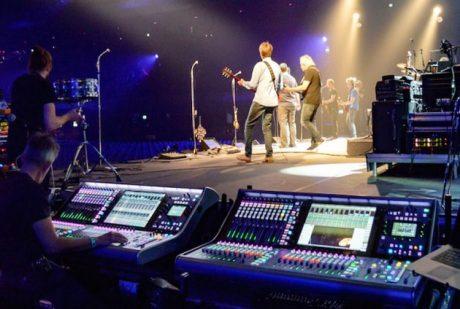 Η SSL L500 στις sold out συναυλίες των Analogues…
