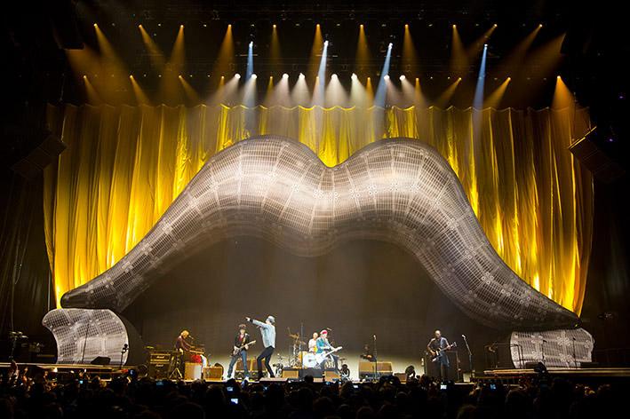 Οι Rolling Stones χρησιμοποιούν ένα τεράστιο rig Clay Paky για τις επετειακές εμφανίσεις των 50 χρόνων τους ως συγκρότημα...
