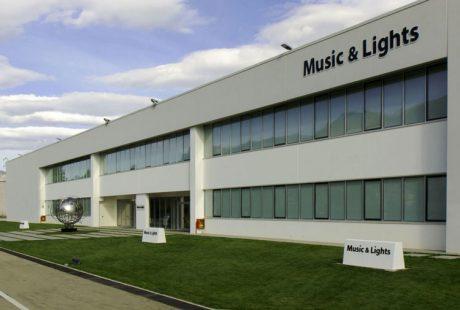 Η Music & lights srl στην Kariotis Audio & Lighting