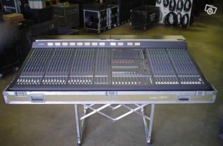 Πωλείται Υamaha M 3000