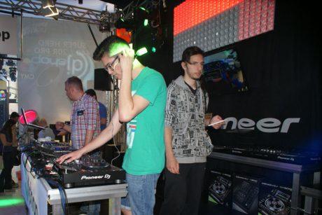 Ο μαγικός κόσμος του DJing στη MWE 2017