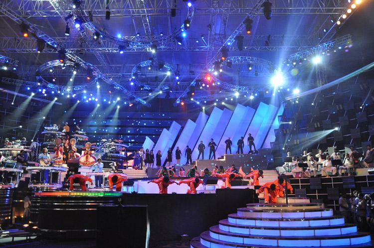 Ενα τεράστιο support MILOS για τον A R Rahman