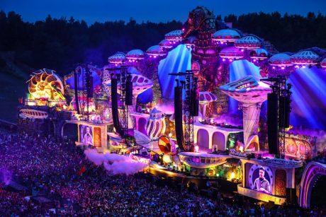 Το διεθνές φεστιβάλ Tomorrowland απέκτησε νέα πολυκάναλη ατμόσφαιρα με την πλατφόρμα L-ISA Immersive Hyperreal Sound…